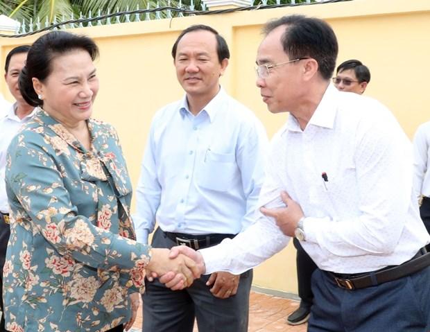 国会主席阮氏金银在芹苴市继续开展选民接待活动 hinh anh 1
