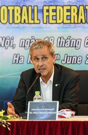 越南与德国展开合作 推动足球发展 hinh anh 3