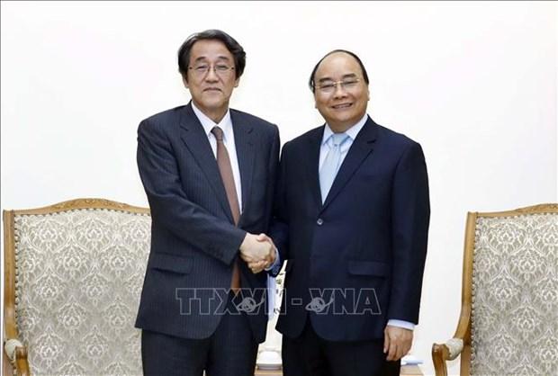 政府总理阮春福会见日本驻越南大使梅田邦夫和永旺集团领导 hinh anh 1
