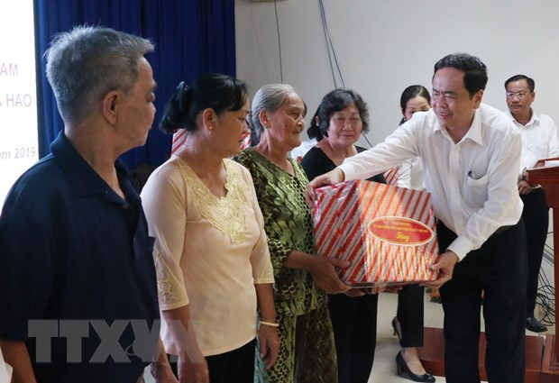 越南祖国阵线中央委员会主席出席和好教创教80周年纪念典礼 hinh anh 3