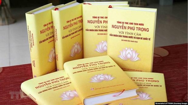 关于阮富仲的书籍正式问世 hinh anh 1