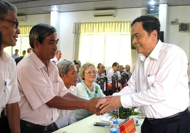 越南祖国阵线中央委员会主席陈青敏与和好教教徒对话 hinh anh 1