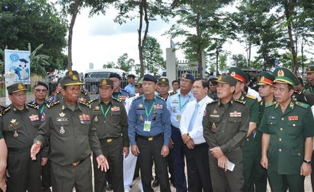 越南与柬埔寨进一步增进友谊之情 hinh anh 1