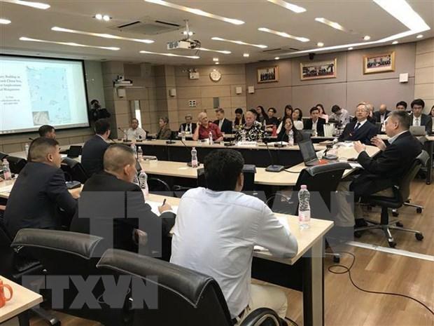 国际专家学者呼吁东盟保持全体一致的原则 hinh anh 1