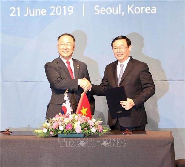 越韩副总理级经济合作对话第一次会议在首尔召开 hinh anh 1