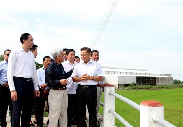 越南祖国阵线中央委员会主席陈青敏会见老挝建国阵线代表团 hinh anh 2
