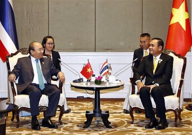 越南政府总理阮春福会见泰国、印尼和新加坡领导人 hinh anh 1