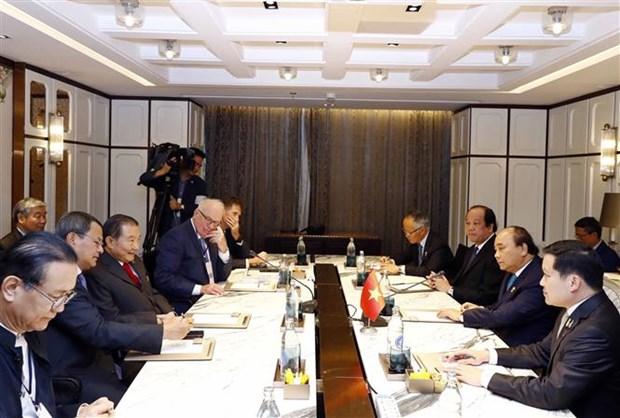 越南政府总理阮春福会见泰国部分大型集团领导 hinh anh 1
