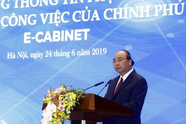 越南政府总理阮春福主持召开电子内阁会议 hinh anh 2