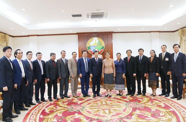 老挝领导人:越老关系向好发展 hinh anh 2