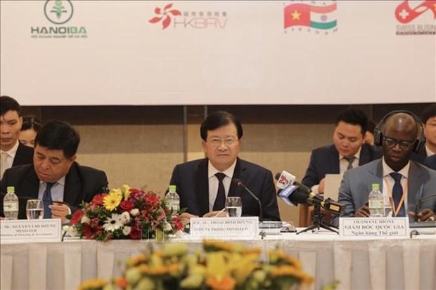 郑廷勇副总理:越南企业在促进经济可持续发展扮演重要角色 hinh anh 1