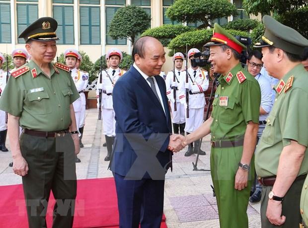 阮春福:保障政治安全和社会治安秩序是人民公安力量的历史使命 hinh anh 1
