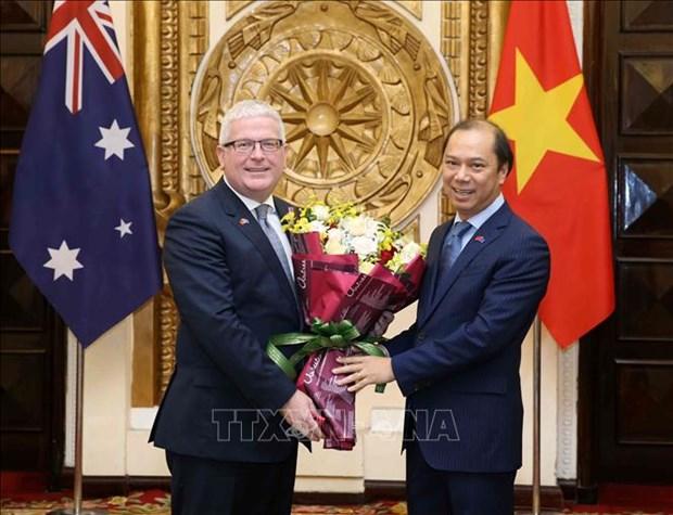 澳大利亚驻越大使获得越南社会主义共和国的友谊勋章 hinh anh 1