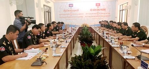 越柬两国军队工兵司令部加强务实合作 hinh anh 2