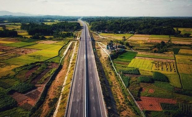 诸多外国投资商对越南北南高速公路项目感兴趣 hinh anh 1