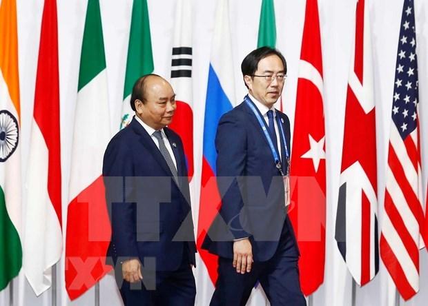 越南政府总理阮春福会见日本一流科技企业领导代表 hinh anh 1