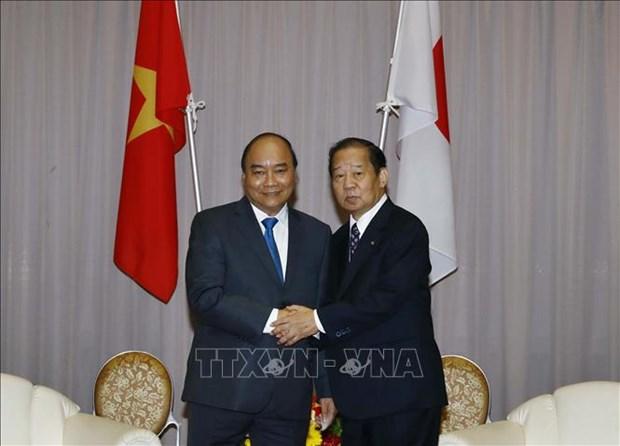 越南政府总理阮春福 会见日越友好议员联盟主席二阶俊博 hinh anh 1