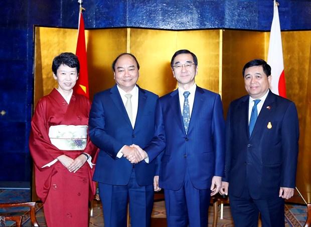 阮春福总理与日本领先集团领导举行座谈会 hinh anh 2