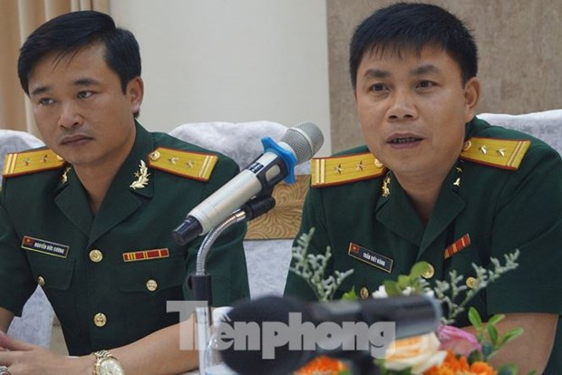 越南与新加坡青年军官互相分享经验 hinh anh 2