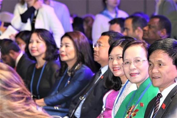 越南出席在俄罗斯举行的第二届议会制度发展论坛 hinh anh 3