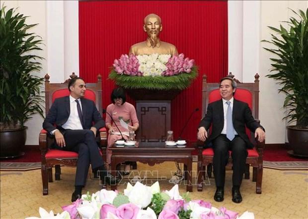越南政府副总理兼外交部长范平明会见亚洲开发银行副行长赛义德 hinh anh 2