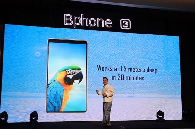 越南Bkav集团Bphone 3智能手机正式亮相缅甸 hinh anh 1