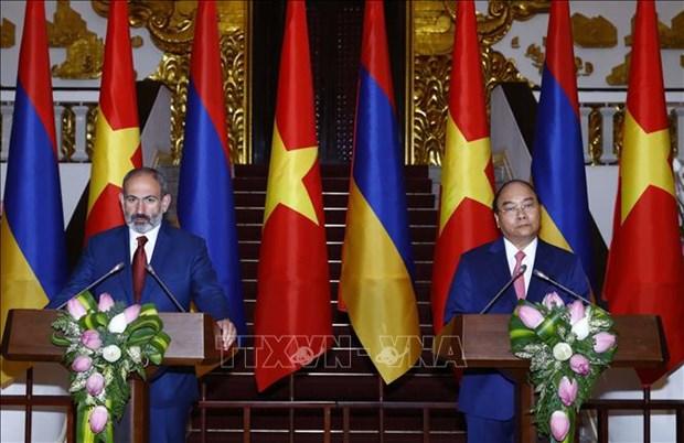 政府总理阮春福与亚美尼亚总理帕希尼扬举行会谈 hinh anh 3