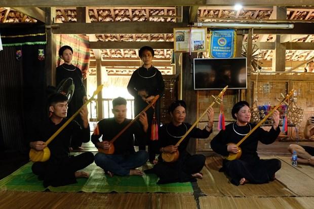 """""""我讲我的文化""""——越南各民族旅游文化村发展的钥匙 hinh anh 1"""