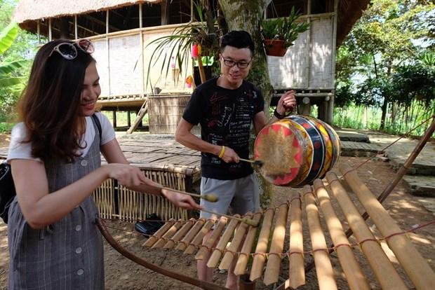 """""""我讲我的文化""""——越南各民族旅游文化村发展的钥匙 hinh anh 2"""