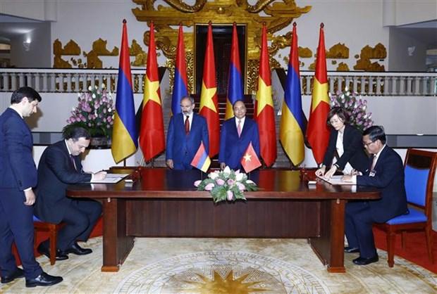 亚美尼亚总理尼科尔·帕希尼扬圆满结束对越南的正式访问 hinh anh 2