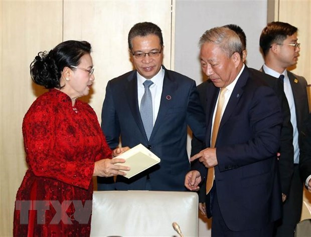 越南国会主席阮氏金银会见中国企业代表 hinh anh 2
