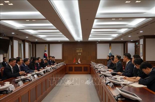 越南公安部长苏林与韩国大检察厅检察总长文武一举行会谈 hinh anh 1