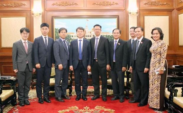 胡志明市领导会见韩国国会副秘书长 hinh anh 2