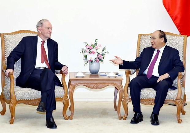 越南政府总理阮春福会见加拿大前总理克里纯 hinh anh 2