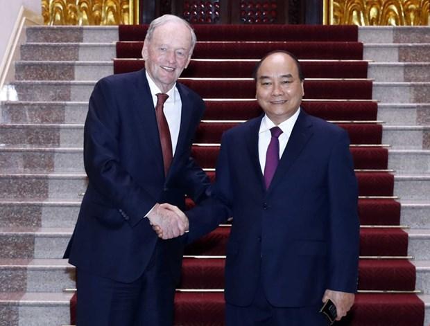 越南政府总理阮春福会见加拿大前总理克里纯 hinh anh 1