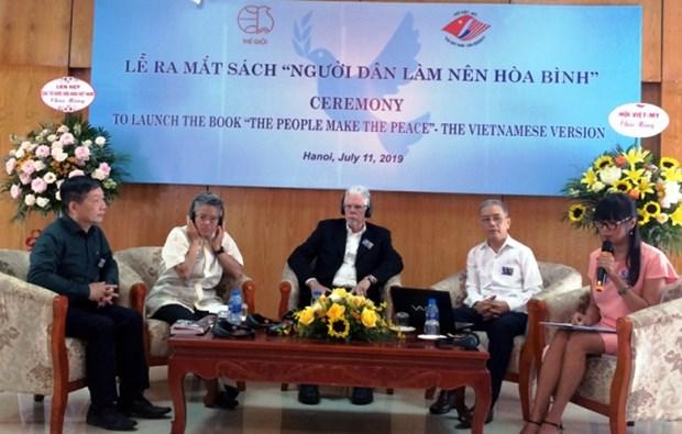 《人民是和平缔造者——反越战运动的教训》一书问世 hinh anh 1