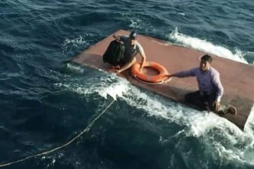 成功营救海上遇险油船 hinh anh 1