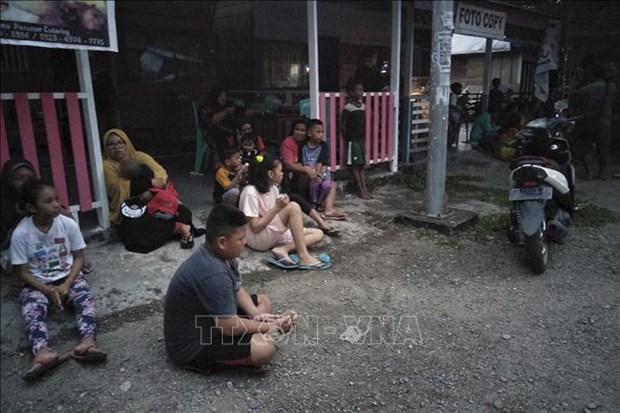 印尼北马鲁古省发生7.3级地震 部分房屋被毁 hinh anh 2