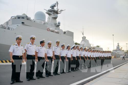 """越南海军016""""光忠""""号导弹护卫舰访问俄罗斯并参加阅兵 hinh anh 1"""
