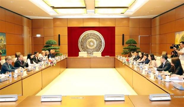 越南与法国国会代表加强合作关系 hinh anh 1