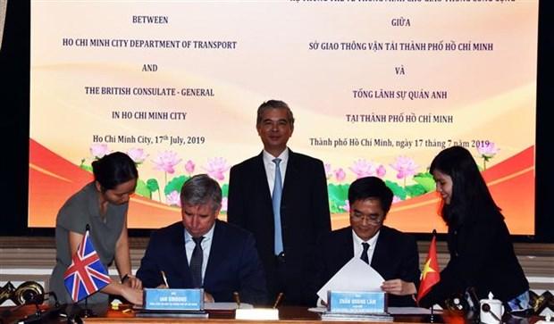胡志明市与英国加强智慧城市建设领域的合作 hinh anh 1