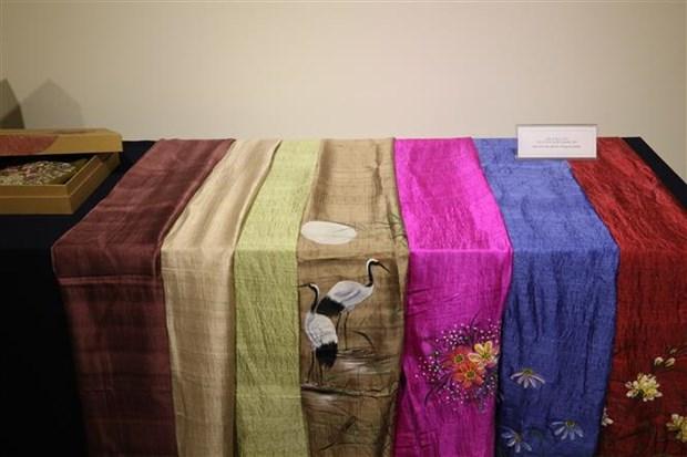 越南土锦与丝绸展览会在韩国举行 hinh anh 1