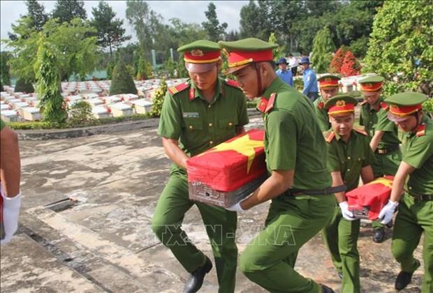 2018年-2019年旱季446具在柬牺牲的越南英烈遗骸回归祖国怀抱 hinh anh 1