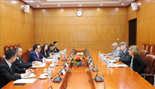 法国共产党代表团访问越南 hinh anh 1
