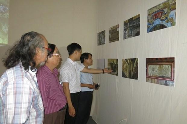 """""""回顺化""""展览会呼吁大家携手保护顺化建筑之美 hinh anh 2"""