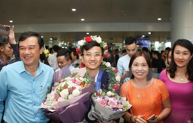 国际物理奥林匹克竞赛蝉联银牌的越南物理学霸 hinh anh 1