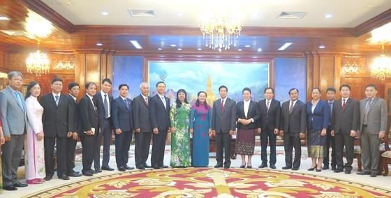 胡志明市高级代表团访问老挝 hinh anh 2
