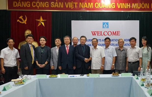 河内与韩国加强新闻业务合作 hinh anh 1