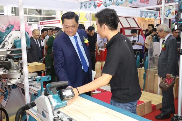 2019年芹苴市国际建筑建材及家居产品展览会正式开幕 hinh anh 2