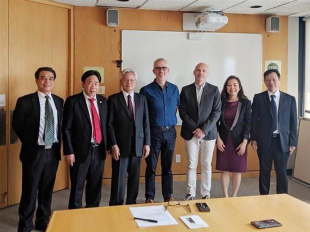 越南与加拿大互相交换国家机构组织与管理经验 hinh anh 2
